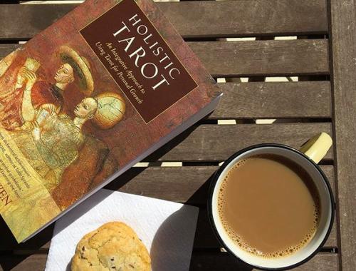 Book review: Holistic Tarot